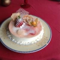 Torta Semifreddo allo Jogurt con Cuore alla Fragola